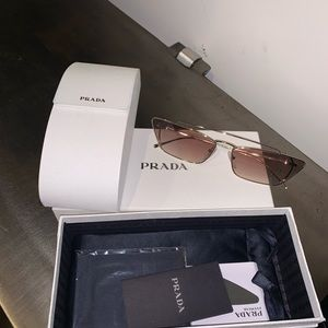Prada sunglasses brand new so chic